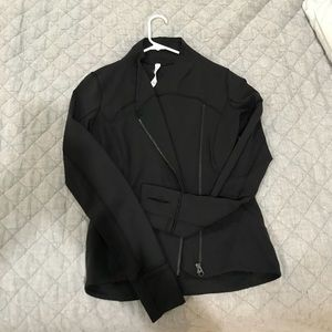 Lululemon precision jacket size 8